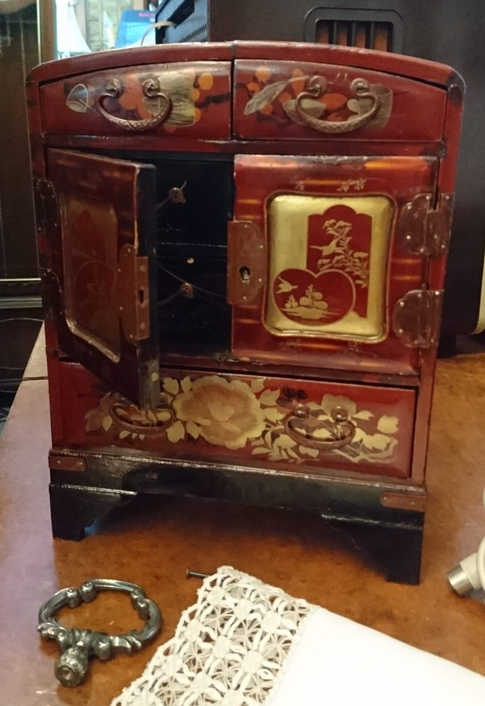 safe-schmuckschränkchen-antik
